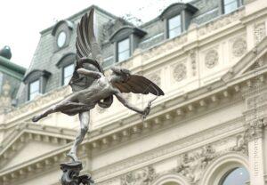 ลานน้ำพุชาฟเทสเบอรีเมมโมเรียล (Shaftesbury Memorial Fountain) 🍀
